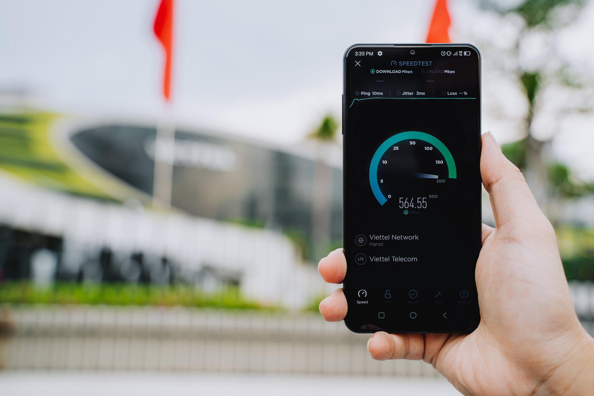VinSmart phát triển thành công điện thoại 5G tích hợp giải pháp bảo mật sử dụng công nghệ điện toán lượng tử  - ảnh 1