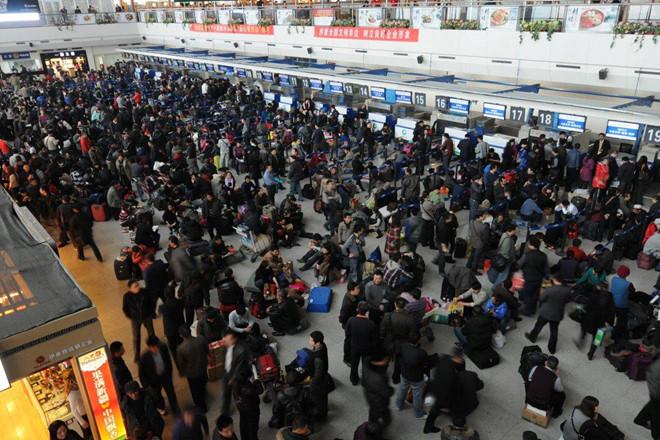 """13 triệu người Trung Quốc bị cấm mua vé máy bay, vé tàu vì """"hạnh kiểm kém"""" - Ảnh 1"""