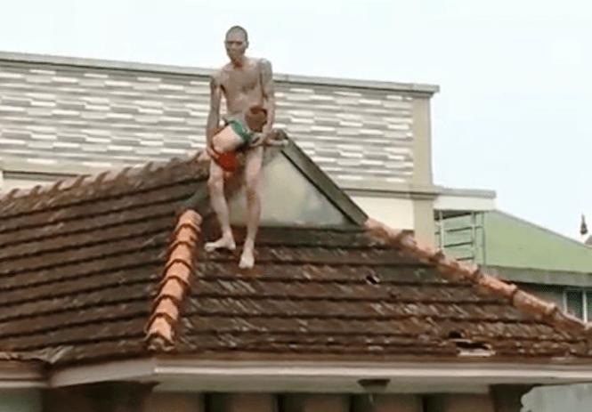 Đối tượng ngáo đá ném con từ mái nhà tầng 2 xuống đất ở Nghệ An bị tuyên 78 tháng tù - ảnh 1