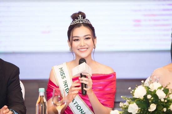 Á hậu Tường San chính thức đại diện Việt Nam tham dự Miss International 2019 - ảnh 1