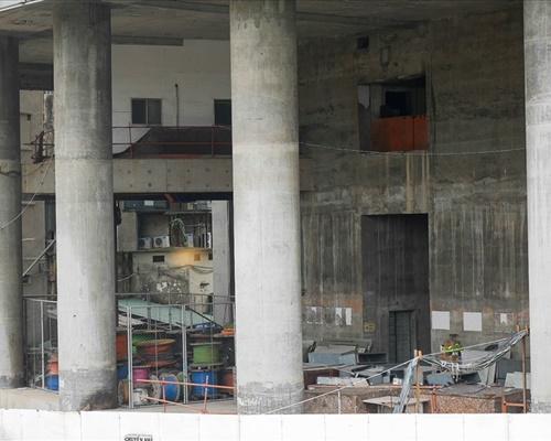 """Cận cảnh cao ốc 42 tầng """"đắp chiếu"""" gần thập kỷ giữa trung tâm TP.HCM - ảnh 1"""