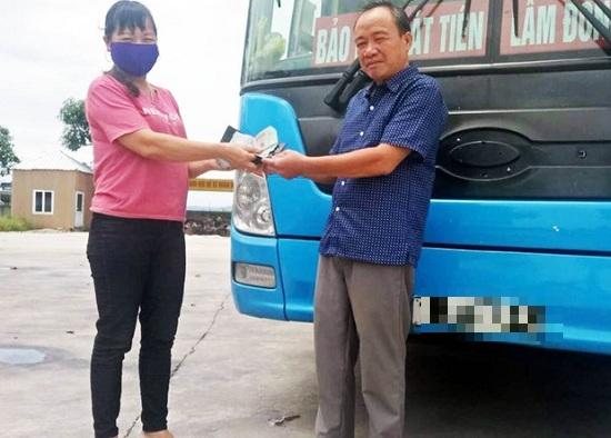 Nhặt được 42 triệu đồng, thầy giáo ở Lâm Đồng trả lại cho người đánh rơi - ảnh 1