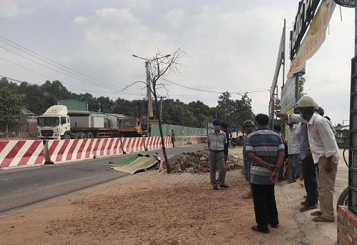 Va chạm với xe tải khi đang đến công trình, kỹ sư xây dựng tử vong tại chỗ - ảnh 1