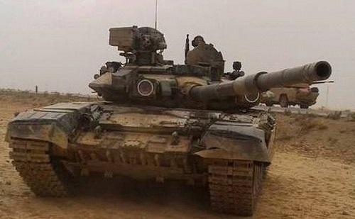 Tình hình chiến sự Syria mới nhất ngày 7/7: Nga vận chuyển đầy xe tăng và xe bọc thép đến Syria - ảnh 1