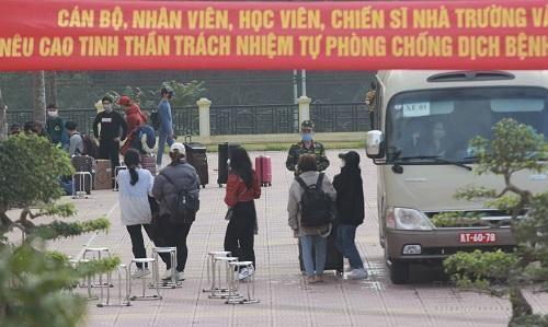 Hà Nội chuẩn bị đón hơn 800 người từ Đà Nẵng trở về - ảnh 1