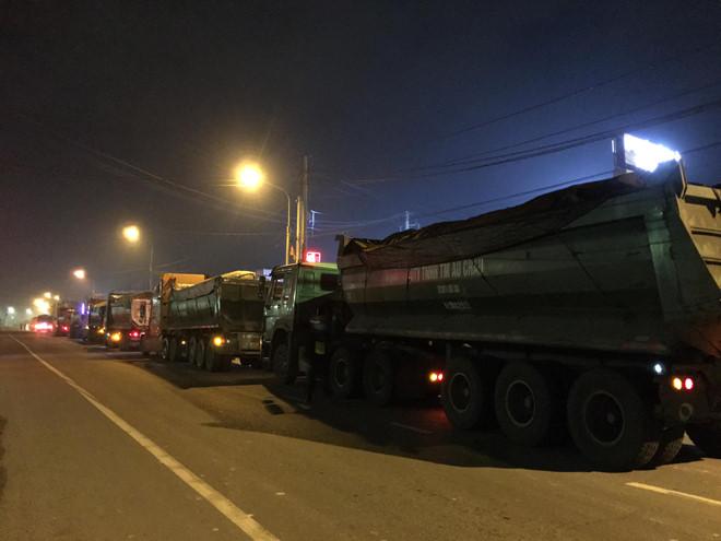 """Kiến nghị tịch thu 727 tấn than đá trên 2 đoàn """"xe vua"""" ở Đồng Nai - ảnh 1"""