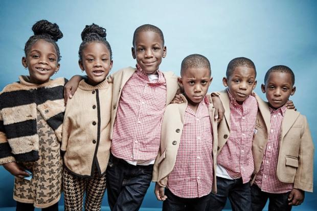 """Bà mẹ sinh 6 khiến cả nước Mỹ ngỡ ngàng, ước """"3 đầu 6 tay"""" để chăm sóc con - ảnh 1"""