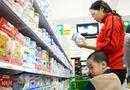 """Thị trường - Giá sữa """"to gan"""" tăng giá trước giờ G: Cơ quan quản lý nói gì?"""