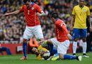 Bóng đá - Chile 1-0 Uruguay: Chủ nhà vào bán kết, Uruguay thành cựu vương