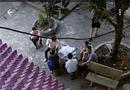 Tin trong nước - Cán bộ tòa tụ tập ăn kem: Huyện ủy chỉ đạo xử lý