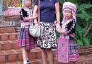 Cộng đồng mạng - Sự thật sau bức ảnh hai cô bé Thái trộm đồng hồ du khách Tây