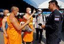 Tin thế giới - Cảnh sát Thái phong tỏa ngôi chùa để tìm nhà sư tham nhũng