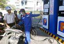Tin tức - Giá xăng tiếp tục giảm 124 đồng/lít