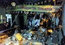 Tin trong nước - Giữa đêm, ô tô tải tông sập tường ngôi chùa ở TP. HCM
