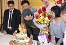 Hoài Linh bất ngờ được tổ chức sinh nhật sớm ngay tại họp báo