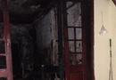 Tin tức - Hà Nội: Cháy nhà dữ dội, 4 mẹ con leo sân thượng kêu cứu