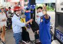 Tin tức - Giá xăng có thể tăng mạnh vào chiều nay