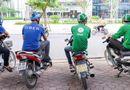 Tin tức - Sau khi bị Grap thâu tóm, hàng loạt tài xế Uber đầu quân cho hãng xe ôm công nghệ Việt