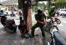 Tin tức - Bắt giữ 2 đối tượng giật túi xách của nữ du khách nước ngoài