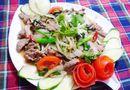 Đơn giản với thịt bê xào cần tỏi cho bữa trưa ngon cơm