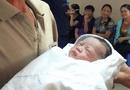Nước mắt hạnh phúc của người đàn ông hiếm muộn 45 tuổi được làm bố