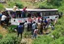 Tin tức - Ấn Độ: Xe buýt lao xuống vực sâu, ít nhất 45 người thiệt mạng