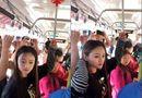 """Thiếu nữ xinh đẹp và \""""sáng kiến\"""" tay cầm trên xe buýt khiến dân mạng phì cười"""