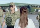 Hậu duệ Mặt Trời tập 5-6: Song Luân cực ngầu trong cảnh gặp lại ở sân bay