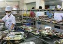 TP.HCM: Tổng kiểm tra an toàn thực phẩm tại các bếp ăn trường học