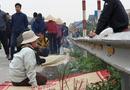 Nhân chứng run rẩy kể lại khoảnh khắc xe tải đâm đoàn đi viếng nghĩa trang, 8 người chết