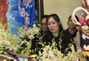 Nghẹn ngào nước mắt tiễn đưa nghệ sĩ Anh Vũ về nơi an nghỉ cuối cùng