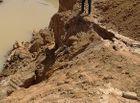 """Tài nguyên - Đắk Lắk: Sông trơ đáy vì  """"cát tặc"""" lộng hành"""