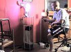 Chuyện lạ - Chiêm ngưỡng đế đèn làm từ... chân người đầu tiên trên thế giới