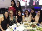 Giới trẻ - Hot girl Hà thành xinh tươi dự đầy tháng con trai Tuấn Hưng