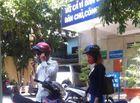 Sự kiện hàng ngày - Mẹ bé trai bị bỏ rơi trên taxi đến nộp đơn xin nhận lại con