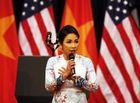Tin tức giải trí - Mỹ Linh phản ứng vì bị chê hát Quốc ca dở trước Tổng thống Obama