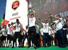 Euro 2016 - Ronaldo cùng đồng đội ăn mừng tưng bừng chức vô địch EURO ở quê nhà