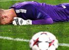 Bóng đá - 10 pha phản lưới nhà đen đủi nhất của các thủ môn