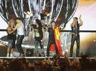 Tin tức giải trí - Scorpions rực cháy với hơn vạn khán giả tại Hoàng Thành Thăng Long