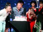 Tin tức giải trí - Mỹ Tâm hạnh phúc tặng quà cho fan 75 tuổi
