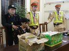 An ninh - Hình sự - CSGT bắt nam thanh niên vận chuyển 73 bánh heroin