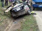 Tin trong nước - Ô tô đấu đầu xe tải, 4 người chết