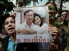 Tin thế giới - Cựu thủ tướng Thái Lan Thaksin cùng em gái Yingluck xuất hiện tại Singapore