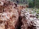Tin tức - Nghệ An: Núi nứt, nhiều hộ dân phải di dời khẩn cấp