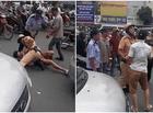 Tin tức - Video: Tài xế taxi vi phạm giao thông bị CSGT quật ngã giữa phố