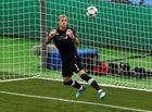 Tin tức - Thủ thành Liverpool bị chỉ trích bắt bóng như bán độ tại chung kết Champions League