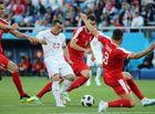 """Tin tức - """"Nổ súng"""" ở phút 90, Shaqiri giúp Thụy Sĩ vượt qua Serbia"""