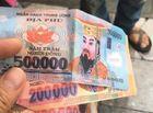 Tin tức - Tin tức pháp luật mới nhất ngày 22/7/2018: Tìm ra tài xế taxi trả tiền âm phủ lừa khách Tây