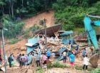 """Tin tức - Thanh Hóa: Hàng nghìn căn nhà ngập trong """"biển nước"""", 3 người chết và mất tích sau bão số 4"""