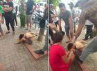Tin tức - Vụ cậu bé đánh giày bị trói vào gốc cây: Tạm giữ 3 nghi phạm